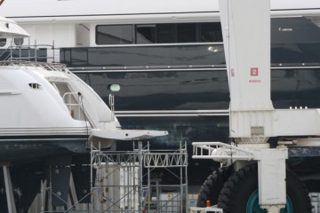 Shipyard for repairs of the yacht